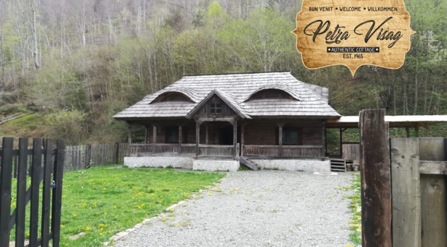 Casa Petra Vișag - Authentic Romanian Cottage